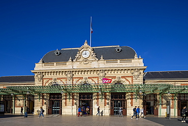 Nice Railway Station, Nice, Alpes-Maritimes, Cote d'Azur, French Riviera, Provence, France, Mediterranean, Europe