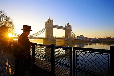 Beefeater and Tower Bridge, London, England, United Kingdom, Europe
