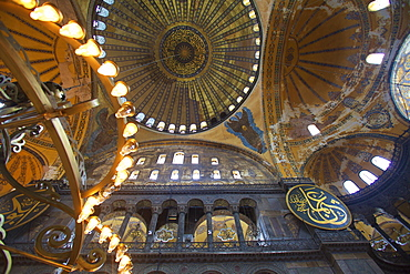 Interior of Hagia Sophia (Aya Sofya Mosque) (The Church of Holy Wisdom), UNESCO World Heritage Site, Istanbul, Turkey, Europe