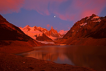 Laguna Torre and Cerro Torre with full moon, Glaciares National Park, Argentina / Patagonia