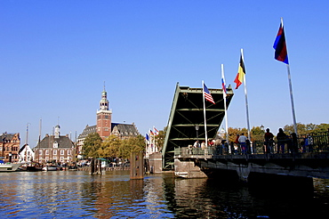 Town hall and open bascule bridge 'Dr. Vom Bruch Bridge', Leer, Lower Saxony, Germany