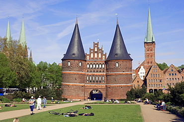Town Gate, Holstentor and St. Petri church, Lubeck, Schleswig-Holstein, Germany / LŸbeck