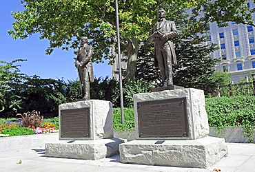 Statues of Hyrum Smith and Joseph Smith, founder of the Church of Jesus Christ of Latter-day Saints, Temple Square, Salt Lake City, Utah, USA