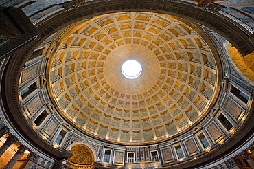 Coffered ceiling, dome of Pantheon, oculus, Rome, Lazio, Italy