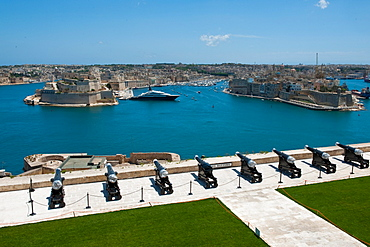 Saluting Battery, cannons, Fort St Angelo of La Vittoriosa, Fort St Michael, La Valletta, Malta / il-Belt Valetta