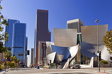 Walt Disney Concert Hall, by Frank Gehry, Downtown Los Angeles, California, USA / L.A.