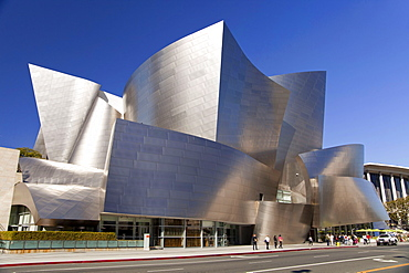 Walt Disney Concert Hall, by Frank Gehry, 111 South Grand Avenue, Downtown Los Angeles, California, USA / L.A.