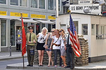 Tourists, actors, soldiers, posing, photo, souvenir, Checkpoint Charlie, Friedrichstrasse, Mitte, Berlin, Germany