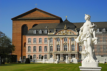 Palace of Trier with Basilika of Constantine, Trier, palace, Basilica of Constantine, Rhineland-Palatinate, Germany, Palatina hall