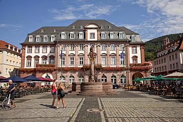 marketplace with Town Hall and Hercules fountain, Heidelberg, Baden-Wuerttemberg, Germany