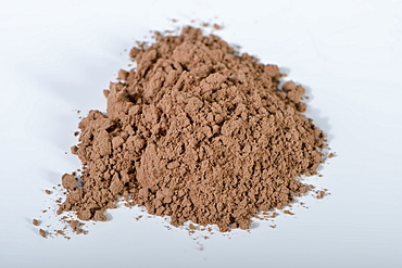 Red clay / (Bolus rubra)