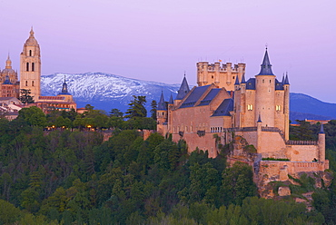 Alcazar, Cathedral, Segovia, Alcazar fortress and Cathedral at Sunset, Castilla-Leon, Spain
