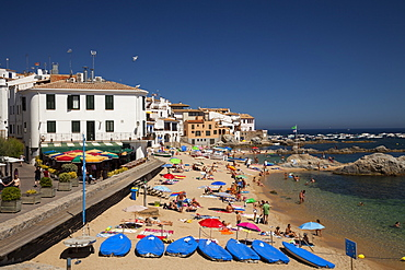 Beach, village, Calella de Palafrugell, Costa Brava, Catalonia, Spain
