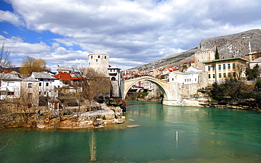 Rebuilt Stari Most (Old Bridge) over Neretva River, Mostar, UNESCO World Heritage Site, Herzegovina, Bosnia and Herzegovina, Europe
