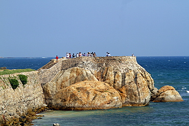 Viewing Rock near Lighthouse, Galle, Sri Lanka, Asia