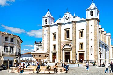 Praca do Giraldo and Santo Antao Church, Giraldo Square, UNESCO World Heritage Site, Evora, Alentejo, Portugal