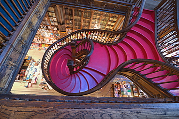 Lello and Irmao bookshop, Spiral stairs, Oporto, Portugal, Europe