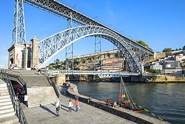 Ponte Dom Luis I Bridge over the Douro River, UNESCO World Heritage Site, Oporto, Portugal, Europe