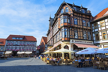 Half-timbered houses and cafe on the market square, Wernigerode, Harz, Saxony-Anhalt, Germany, Europe