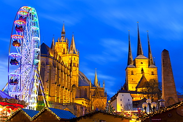 Christmas Market with Saint Marien Cathedral and Severi Church in the background, Erfurt, Thuringia, Germany, Europe
