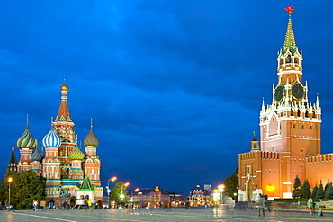 Red Square, St. Basil's Cathedral and the Savior's Tower of the Kremlin, UNESCO World Heritage Site, Moscow, Russia, Europe