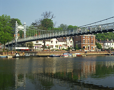 River Dee and Queens Park Bridge, The Groves, Chester, Cheshire, England, United Kingdom, Europe