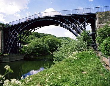 The Iron Bridge, Ironbridge, UNESCO World Heritage Site, Shropshire, England, United Kingdom, Europe