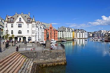Old fishing warehouses in harbor, Alesund, Sunnmore, More og Romsdal, Norway, Scandinavia, Europe