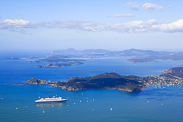 Queen Mary II visits the Bay of Islands, Northland, North Island, New Zealand, Pacific