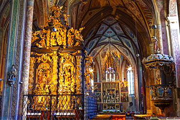 The wonderfully ornate interior of St. Wolfgang's Parish Church, St. Wolfgang, Wolfgangsee, Flachgau, Upper Austria, Austria, Europe