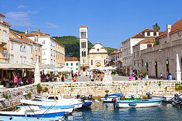 Hvar's picturesque harbour, Stari Grad (Old Town), Hvar, Dalmatia, Croatia, Europe - 1158-476