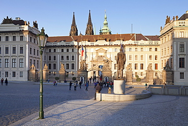 First courtyard, Castle Hradcany and St. Vitus cathedral, Castle District, UNESCO World Heritage Site, Prague, Bohemia, Czech Republic, Europe
