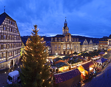 Christmas fair, town hall, market place, Schwaebisch Hall, Hohenlohe, Baden Wurttemberg, Germany