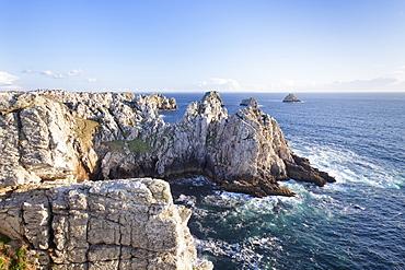 Pointe de Penhir and Tas de Pois, Peninsula of Crozon, Finistere, Brittany, France, Europe