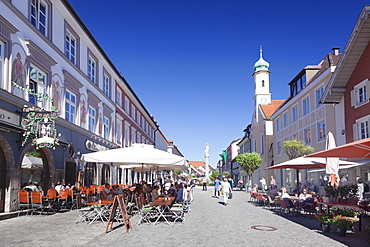 Untermarkt marketplace, Maria Hilf Church, and street cafes, Murnau am Staffelsee, Blaues Land, Upper Bavaria, Bavaria, Germany, Europe