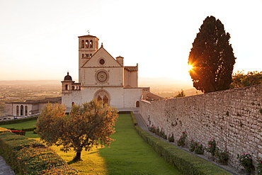 Basilica of San Francesco, UNESCO World Heritage Site, Assisi, Perugia District, Umbria, Italy, Europe