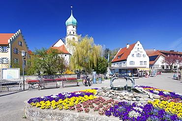 St. Georg church and castle, Peninsula of Wasserburg, Lake Constance, Schwaben, Bavaria, Germany, Europe