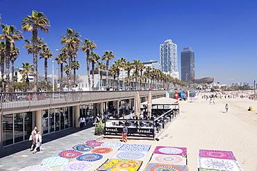 Barceloneta Beach, Port Olimpic, Mapfre Tower, Arts Tower, Peix, Fish sculpture by Frank Owen Gehry, Barcelona, Catalonia, Spain, Europe
