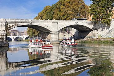 Excursion boat on Tiber River at Ponte Mazzini (Ponte Giuseppe Mazzini), Rome, Lazio, Italy, Europe