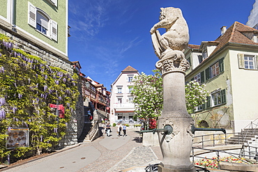 Fountain in the old town, Meersburg, Lake Constance, Baden-Wurttemberg, Germany, Europe