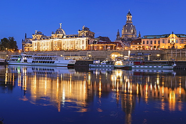 Elbe River with Academy of Fine Arts, Bruehlscher Terrasse, Frauenkirche Cathedral, Dresden, Saxony, Germany, Europe