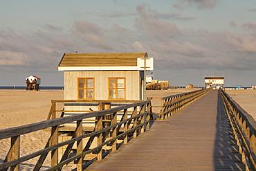 Pier and sandy beach, Sankt Peter Ording, Eiderstedt Peninsula, Nordfriesland, Schleswig Holstein, Germany, Europe