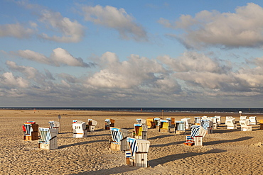 Beach chairs on the beach of Sankt Peter Ording, Eiderstedt Peninsula, Nordfriesland, Schleswig Holstein, Germany, Europe