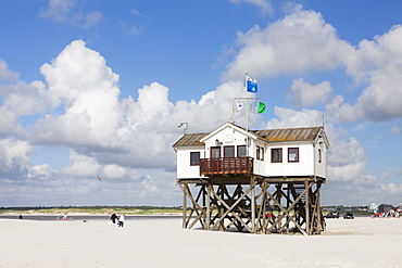 Stilt houses on a beach, Sankt Peter Ording, Eiderstedt Peninsula, Schleswig Holstein, Germany, Europe