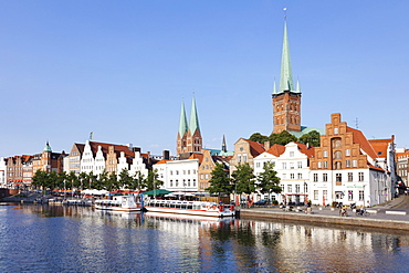 River Trave, Stadttrave with Petri church and Marien church, Lubeck, Schleswig Holstein, Germany, Europe