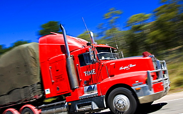 Truck on Great Western Highway from Sydney to Adelaide, New South Wales, Australia