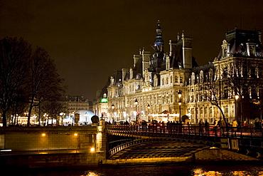 H™tel de Ville by  river Seine, Paris, France