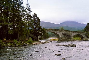 Brig O'Dee bridge over the River Dee in Aberdeenshire, Scotland