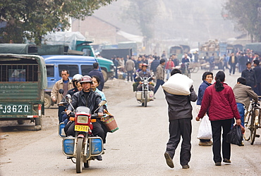 Market day in the town of Baisha, near Guilin, China