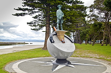 Monument to Captain James Cook, Poverty Bay, North Island, New Zealand